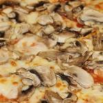 15 Pizza Funghi